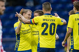Simon Hedlund (Br�ndby IF), Kamil Wilczek, anf�rer (Br�ndby IF)