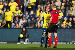 Simon Hedlund (Br�ndby IF), J�rgen Daugbjerg Burchardt, dommer