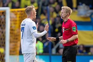Viktor Fischer (FC K�benhavn), J�rgen Daugbjerg Burchardt, dommer