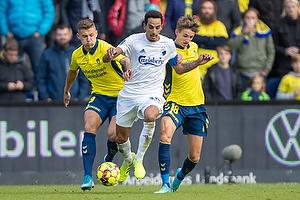Carlos Zeca, anf�rer (FC K�benhavn), Jesper Lindstr�m (Br�ndby IF), Samuel Mraz (Br�ndby IF)