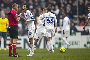 Carlos Zeca, anf�rer (FC K�benhavn), Jakob Kehlet, dommer