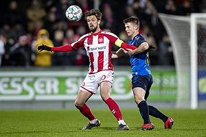 Lucas Andersen, anf�rer (Aab), Morten Frendrup (Br�ndby IF)
