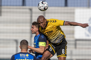 Ayo Simon Okosun (AC Horsens), Andreas Maxs�, anf�rer (Br�ndby IF)