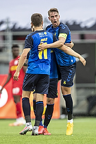 Andreas Maxs�, anf�rer (Br�ndby IF), Mikael Uhre (Br�ndby IF)