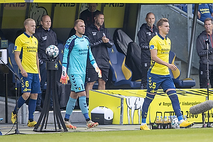 Hj�rtur Hermannsson (Br�ndby IF),bMarvin Schw�be (Br�ndby IF), Andreas Maxs�, anf�rer (Br�ndby IF)