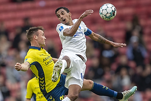 Lasse Vigen Christensen (Br�ndby IF), Carlos Zeca, anf�rer (FC K�benhavn)