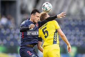 Andreas Maxs� (Br�ndby IF), Dion Cools (FC Midtjylland)