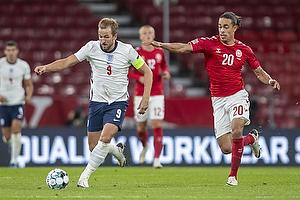 Harry Kane, anf�rer  (England), Yussuf Poulsen  (Danmark)