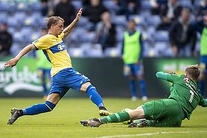 Simon Hedlund (Br�ndby IF), Peter Vindahl Jensen  (FC Nordsj�lland)