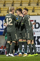 Mikael Uhre, m�lscorer (Br�ndby IF), Andreas Bruus (Br�ndby IF), Tobias B�rkeeiet (Br�ndby IF)