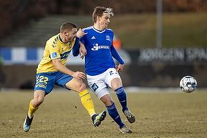 Josip Radosevic (Br�ndby IF), Kasper Enghardt, anf�rer  (Lyngby BK)