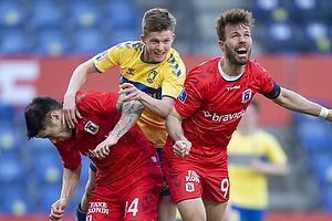 Morten Frendrup (Br�ndby IF), Patrik Mortensen, anf�rer  (Agf)