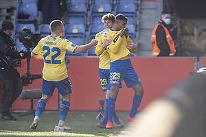 Anis Slimane, m�lscorer (Br�ndby IF), Jesper Lindstr�m (Br�ndby IF), Josip Radosevic (Br�ndby IF)