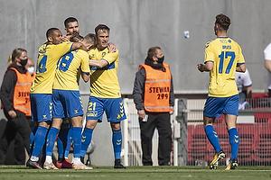 Simon Hedlund, m�lscorer (Br�ndby IF), Lasse Vigen Christensen (Br�ndby IF), Kevin Mensah (Br�ndby IF)