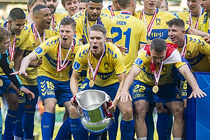 Morten Frendrup (Br�ndby IF), Sigurd Rosted (Br�ndby IF), Josip Radosevic (Br�ndby IF)