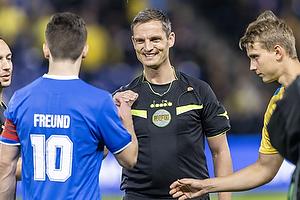 Anders Poulsen, dommer, S�ren Freund, anf�rer  (Aller�d Fodbold Klub),
