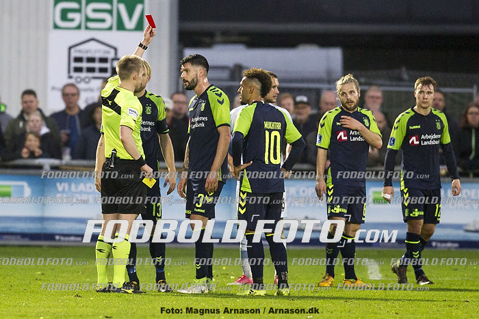 J�rgen Daugbjerg Burchardt, dommer, Anthony Jung (Br�ndby IF), Hany Mukhtar (Br�ndby IF)