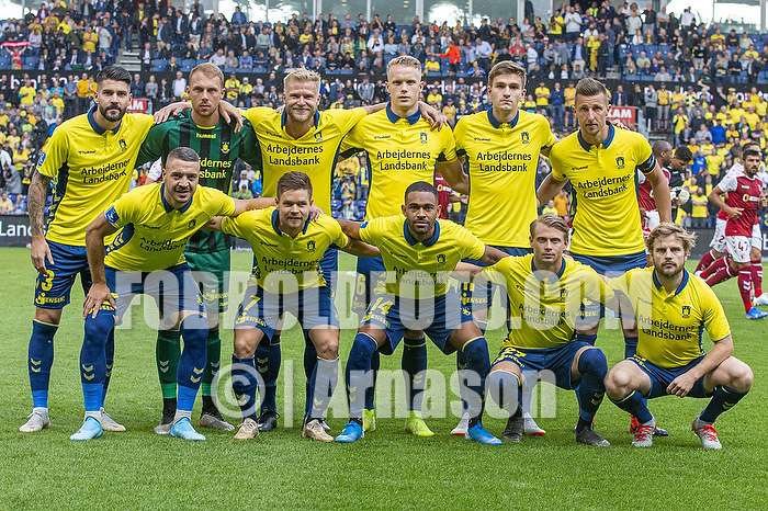 Anthony Jung (Br�ndby IF), Marvin Schw�be (Br�ndby IF), Paulus Arajuuri (Br�ndby IF), Hj�rtur Hermannsson (Br�ndby IF), Mikael Uhre (Br�ndby IF), Kamil Wilczek, anf�rer (Br�ndby IF), Josip Radosevic (Br�ndby IF), Dominik Kaiser (Br�ndby IF), Kevin Mensah (Br�ndby IF), Simon Hedlund (Br�ndby IF), Kasper Fisker (Br�ndby IF)